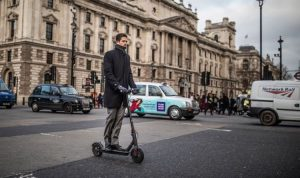 """Electric scooter: Drivers with """"increased risk"""" because accidents with new tools """"spike"""""""